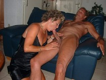 Giving a head to a swinger friend
